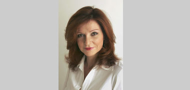 The New York Times opinion columnist, Maureen Dowd will be conferred with an Honorary Degree by NUI Galway on 29 June, along with playwright and novelist, Sebastian Barry; Executive Vice President, The Coca-Cola Company, Irial Finan; and Canadian Finance Minister, The Honourable James Flaherty PC, MP.