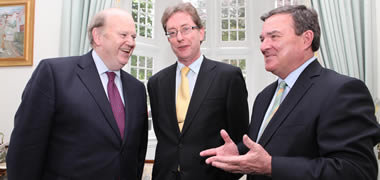 At the 'Financial Crisis: International and National Perspectives' forum in NUI Galway, were the Irish Minister for Finance Michael Noonan, NUI Galway's President Dr Jim Browne, and the Canadian Minister for Finance Jim Flaherty.  Photo by Aengus McMahon.