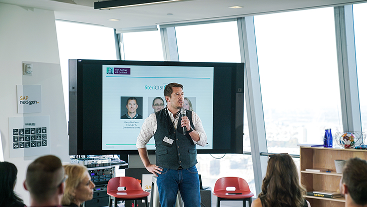 Nua Surgical Founder Barry McCann pitching in New York at the annual LaunchPad powered by Techstars bootcamp.